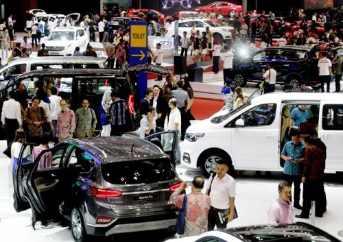 Suasana pameran Gaikindo Indonesia International Auto Show