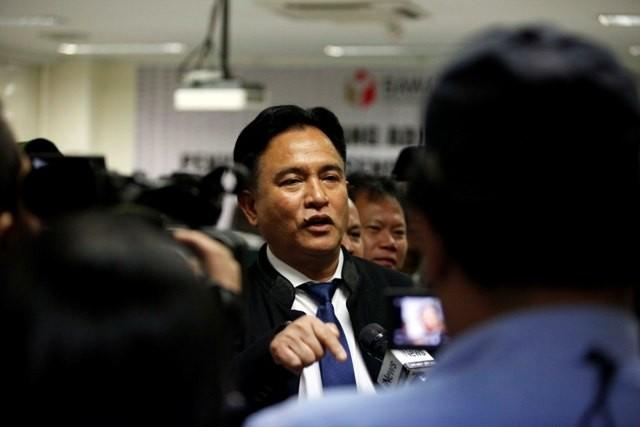 Ketua Umum Partai Bulan Bintang Yusril Ihza Mahendra (tengah). MI/Rommy Pujianto
