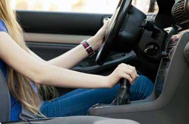 Susah oper gigi transmisi mobil manual biasanya disebabkan usia
