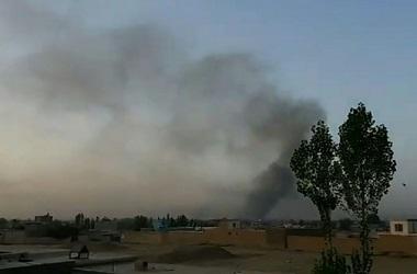 Pasukan Afghanistan yang didukung AS memerangi Taliban di kota