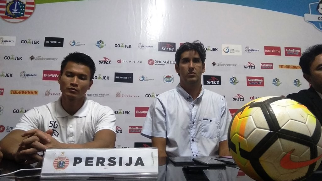 Pelatih Persija Jakarta, Stefano Cugurra alias Teco dan kiper Shahar Ginanjar. (Foto: Medcom.id/ Ahmad Mustaqim)