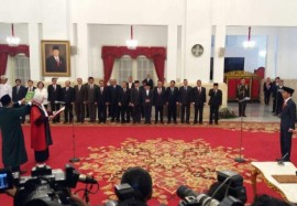 Jokowi Inaugurates New Constitutional Court Justice