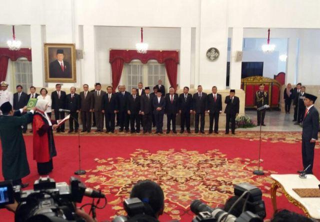 Presiden Joko Widodo mengangkat Enny Nurbaningsih sebagai Hakim Mahkamah Konstitusi (MK)--Medcom.id/Achmad Zulfikar Fazli.