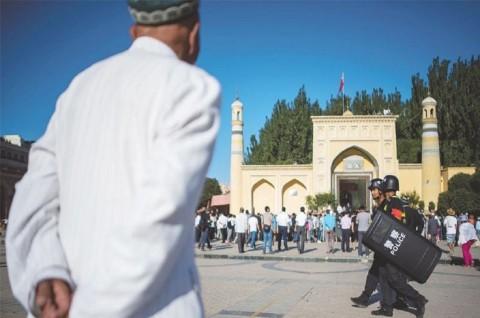 Tiongkok Bantah Tahan 1 Juta Uighur di Xinjiang