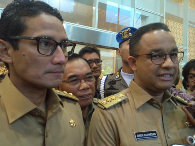 Gubernur Anies Baswedan dan Wakil Gubernur DKI Jakarta Sandiaga Salahuddin Uno di Jakarta Utara. Foto: Medcom.id/Nur Azizah.