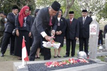 Gubernur BI Kunjungi TMP Kalibata