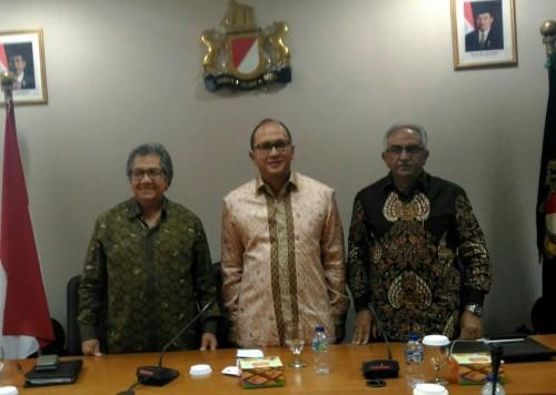 Ketua Kadin Indonesia Rosan Roeslani (tengah) (Foto: