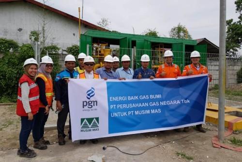 PGN melakukan pengaliran gas ke pabrik oleochemical milik PT