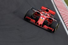Peringatan Pembalap Ferrari untuk Mercedes