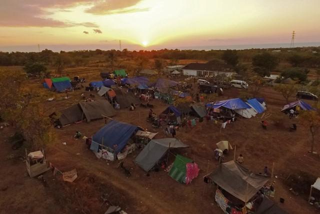 Pengungsian warga korban gempa di perbukitan Kayangan, Lombok Utara. Antara Foto/Zabur Karuru