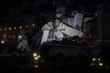 Penyelamat Italia Berpacu dengan Waktu Cari Korban Jembatan Roboh