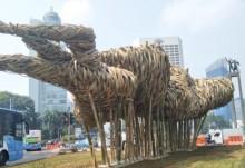 Pemprov DKI Pajang Karya Seni Bambu di Bundaran HI