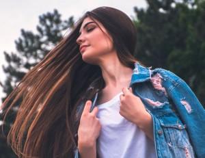 Ini Alasan Mengapa Rambut Anda Benci Kelembapan