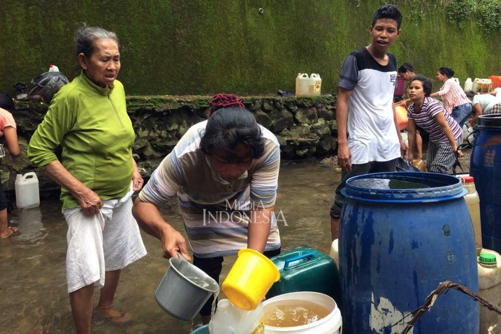 Ribuan Liter Minyak Tanah di TBBM Ambon Tumpah