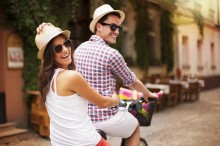 Perhatikan Lima Hal Ini agar <i>Traveling</i> Bersama Pasangan Menyenangkan