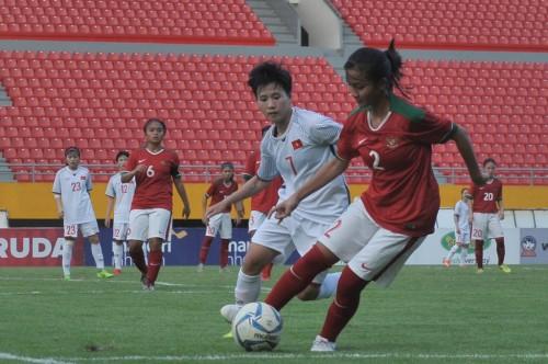 Timnas putri Indonesia (merah). (Foto: Antara/Feny Selly)