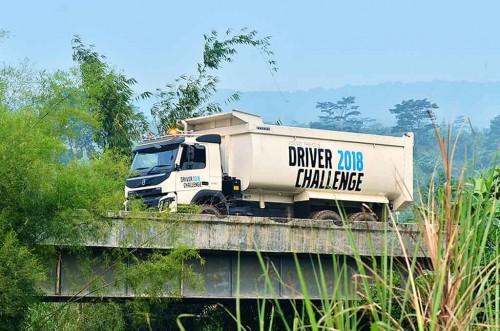 Kompetisi pengemudi truk Volvo gunakan format baru. Volvo