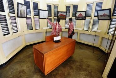 Soekarno bertemu Fatmawati di rumah Tionghoa