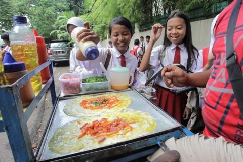 Polisi Masih Cari Penjual Makanan yang Sebabkan Siswa SD di Bekasi Keracunan