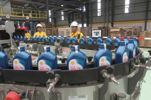 Pabrik pelumas Shell di Marunda Bekasi. Shell