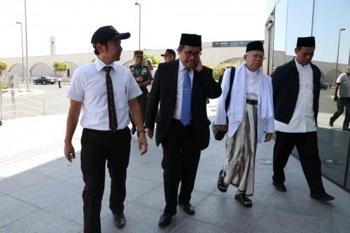 Ketua Umum MUI KH Ma'ruf Amin tiba di Bandara KAA, Jedah, Arab