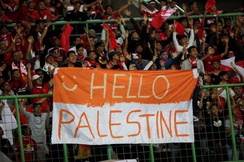 Suporter Indonesia ketika menonton pertandingan Indonesia U-23