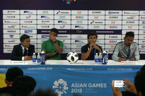 Pelatih Luis Milla menghadiri konferensi pers usai Timnas U-23