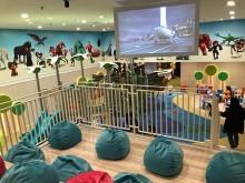 Manfaat Mengajak Anak ke Bioskop