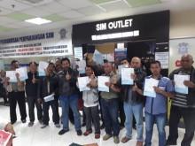 71 Orang Bernama Agus Dapat Pelayanan SIM Gratis di Bandung