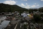 Satu Keluarga Korban Tewas Gempa di Lombok Dievakuasi