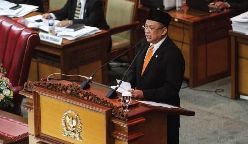 Ketua DPR Bambang Soesatyo menyampaikan pidato penutupan masa