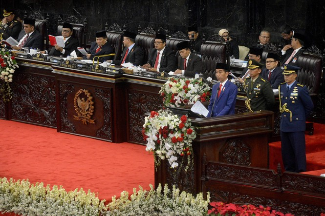 Presiden Joko Widodo menyampaikan Pidato Kenegaraan dalam Sidang Tahunan MPR di Gedung Nusantara, Kompleks Parlemen Senayan, Jakarta, Kamis, 16 Agustus 2018, MI/Susanto.
