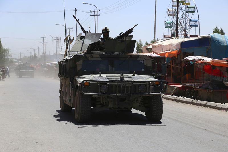 Pasukan Afghanistan menjadi incaran serangan dari kelompok bersenjata (Foto: AFP).