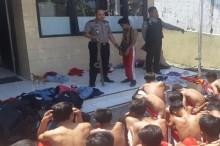 Puluhan Siswa Diamankan, Polisi Temukan Gir di Dalam Tas