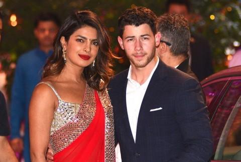 Cincin Lamaran Nick Jonas untuk Priyanka Chopra Bernilai Rp2 Miliar
