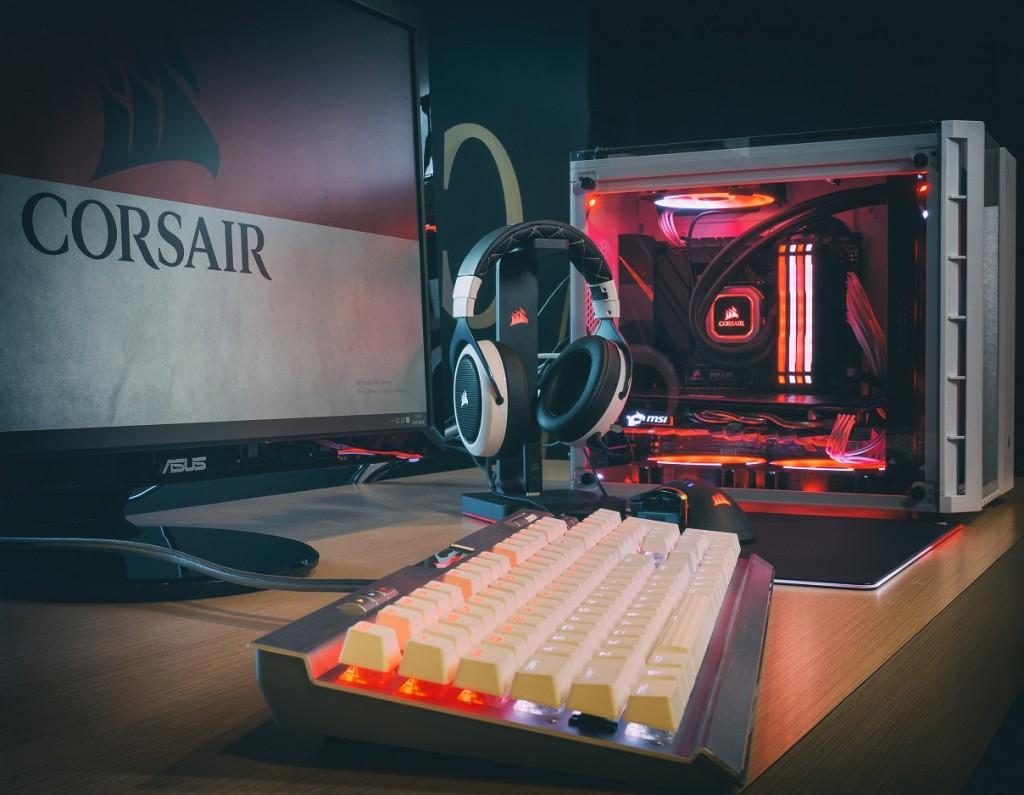PC Merah Putih Corsair.