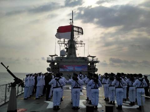 Suasana upacara HUT ke-73 RI di Kapal Perang Yos Sudarso. Foto: