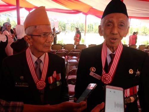 Kisah Dua Veteran, Bersahabat dan Berjuang sejak Belia