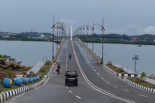 Jembatan 1 Dompak yang menghubungkan Pulau Dompak dengan