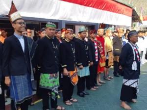 Ratusan Napi Lapas Sidoarjo Pakai Baju Adat saat Upacara