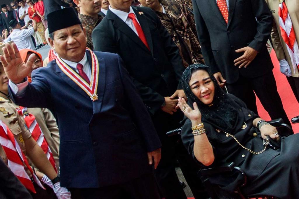 Prabowo-Sandi Upacara HUT RI di UBK
