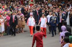 Api Obor Asian Games Tiba di Istana Merdeka setelah Lalui 63 Titik