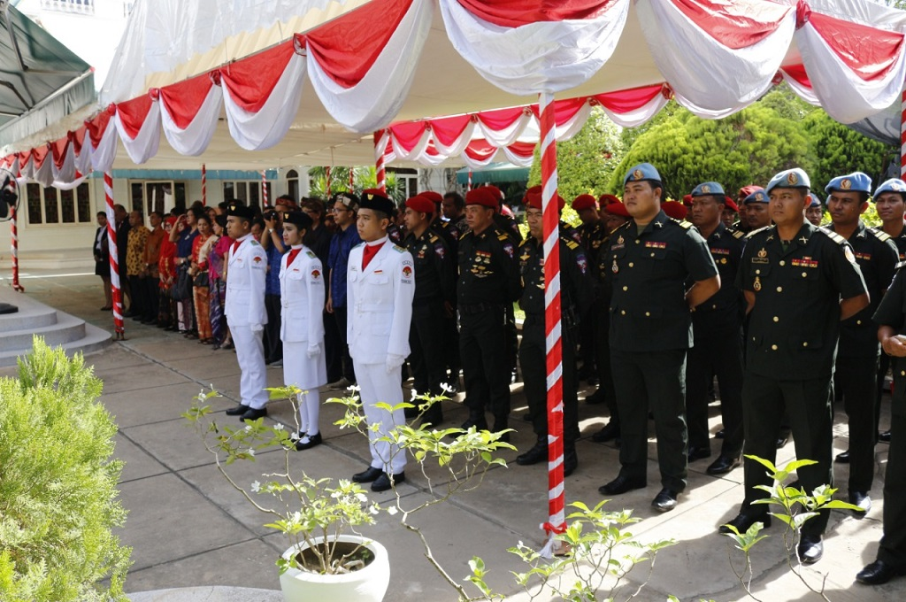 Peringatan HUT ke-73 Kemerdekaan Republik Indonesia di halaman KBRI Phnom Penh, Jumat 17 Agustus 2018. (Foto: KBRI Phnom Penh)