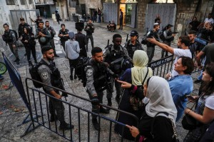 Pasukan Israel Tutup Paksa Kompleks Masjid Al-Aqsa