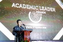 Delapan Rektor dan Dosen Raih Academic Leader Awards 2018