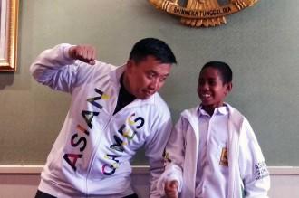 Siswa Pemanjat Tiang Bendera Diajak Tonton Pembukaan Asian Games