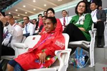 Petualangan Joni Pemanjat Tiang Bendera di Jakarta
