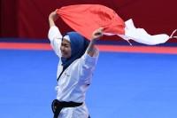 Defia Rosmaniar Raih Emas Pertama untuk Indonesia