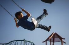 Bahaya Tersembunyi di Taman Bermain Anak