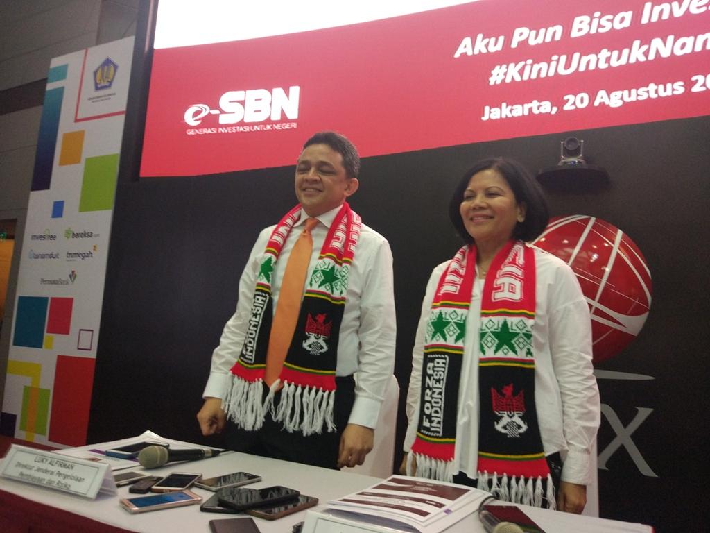 Direktur Jenderal Pengelolaan Pembiayaan dan Risiko Kemenkeu Luky Alfirman (kiri). (FOTO: Medcom.id/Annisa Ayu)